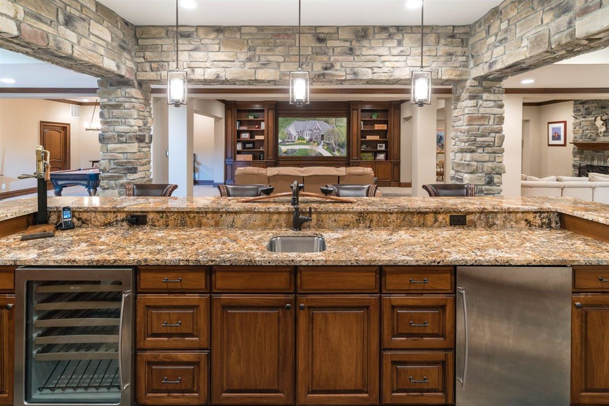 Spectacular custom home in Riverview Estates of Coldstream luxury real estate