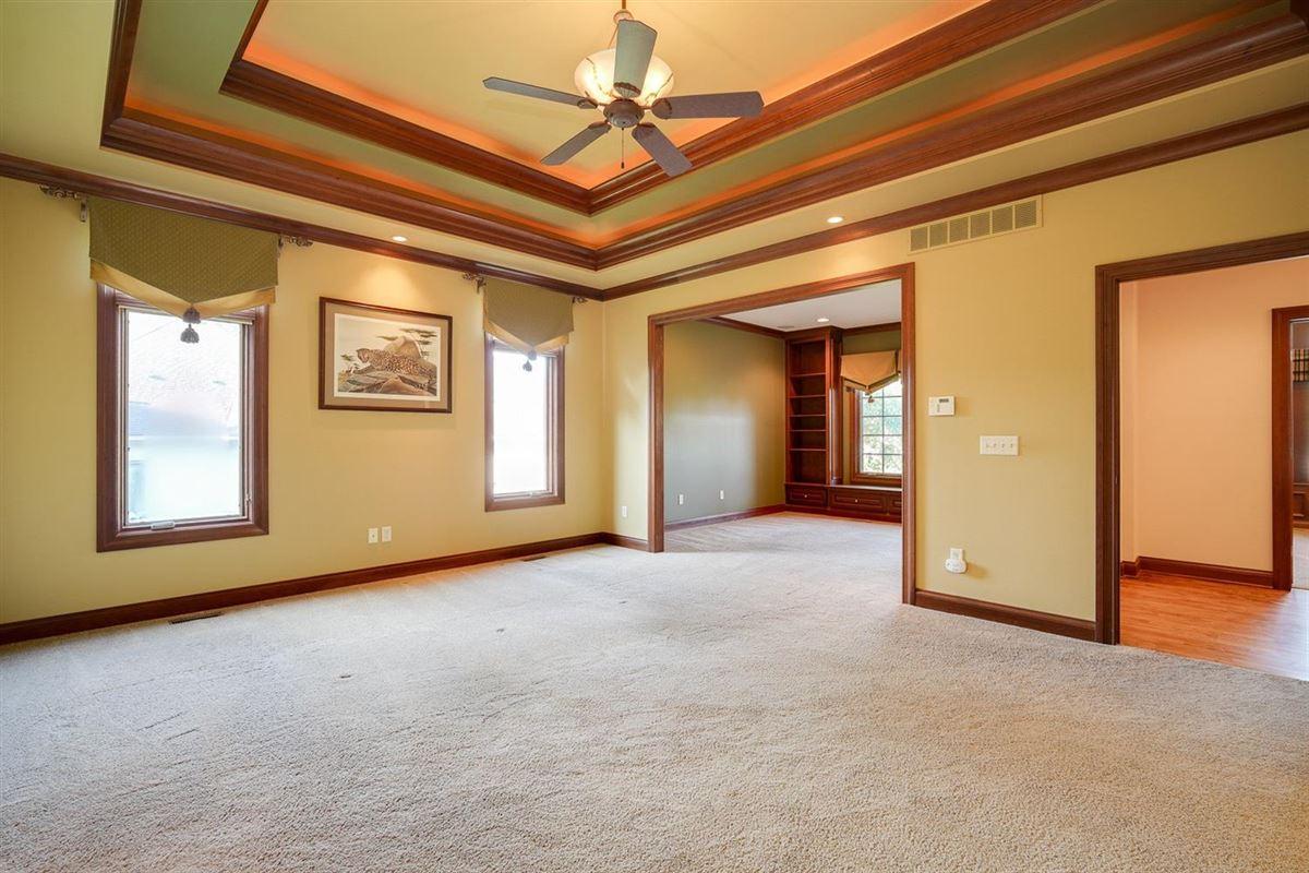 Mansions pristine custom home