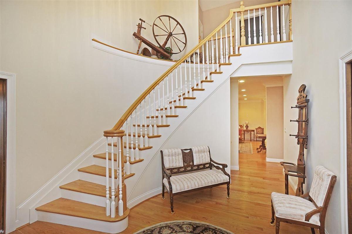 well designed living luxury properties