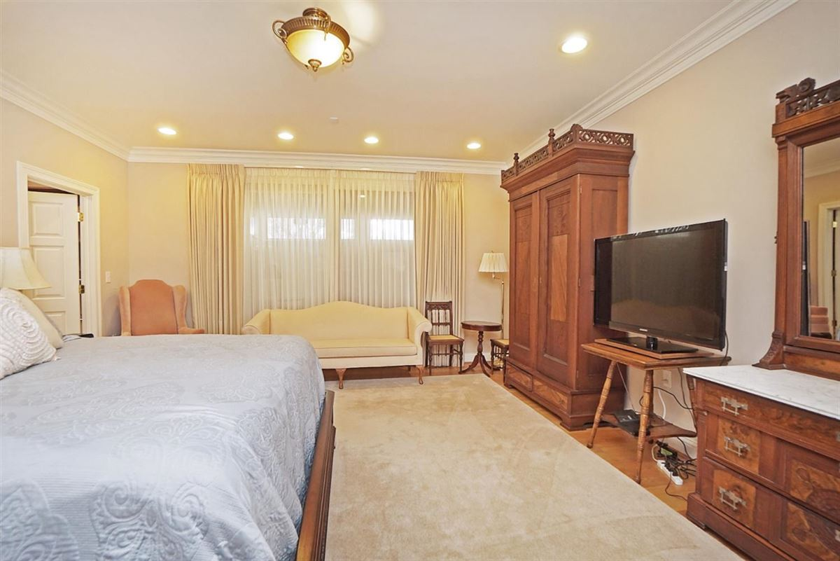 Luxury homes well designed living