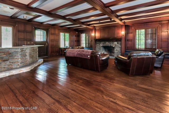 Luxury homes Back Mountain Landmark