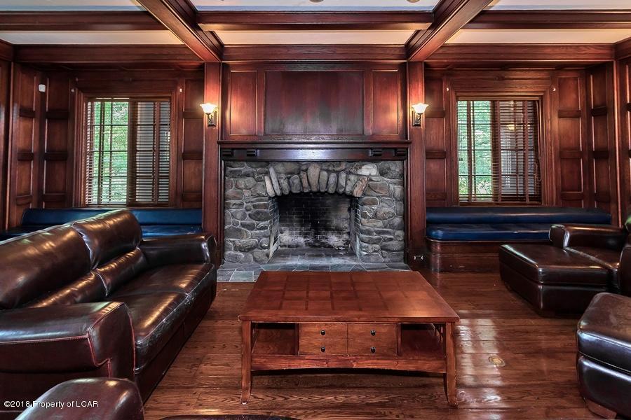 Back Mountain Landmark luxury homes