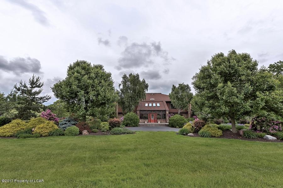 Luxury homes in Lakeside Treasure