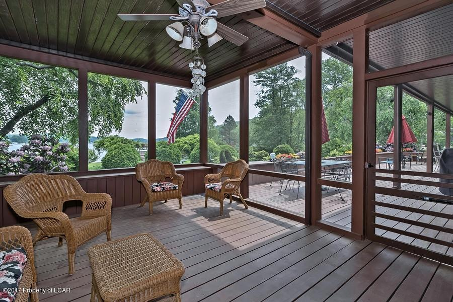 Lakeside Treasure luxury homes