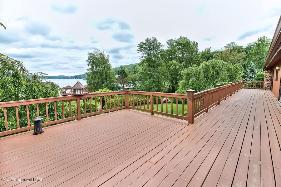 Luxury real estate Lakeside Treasure