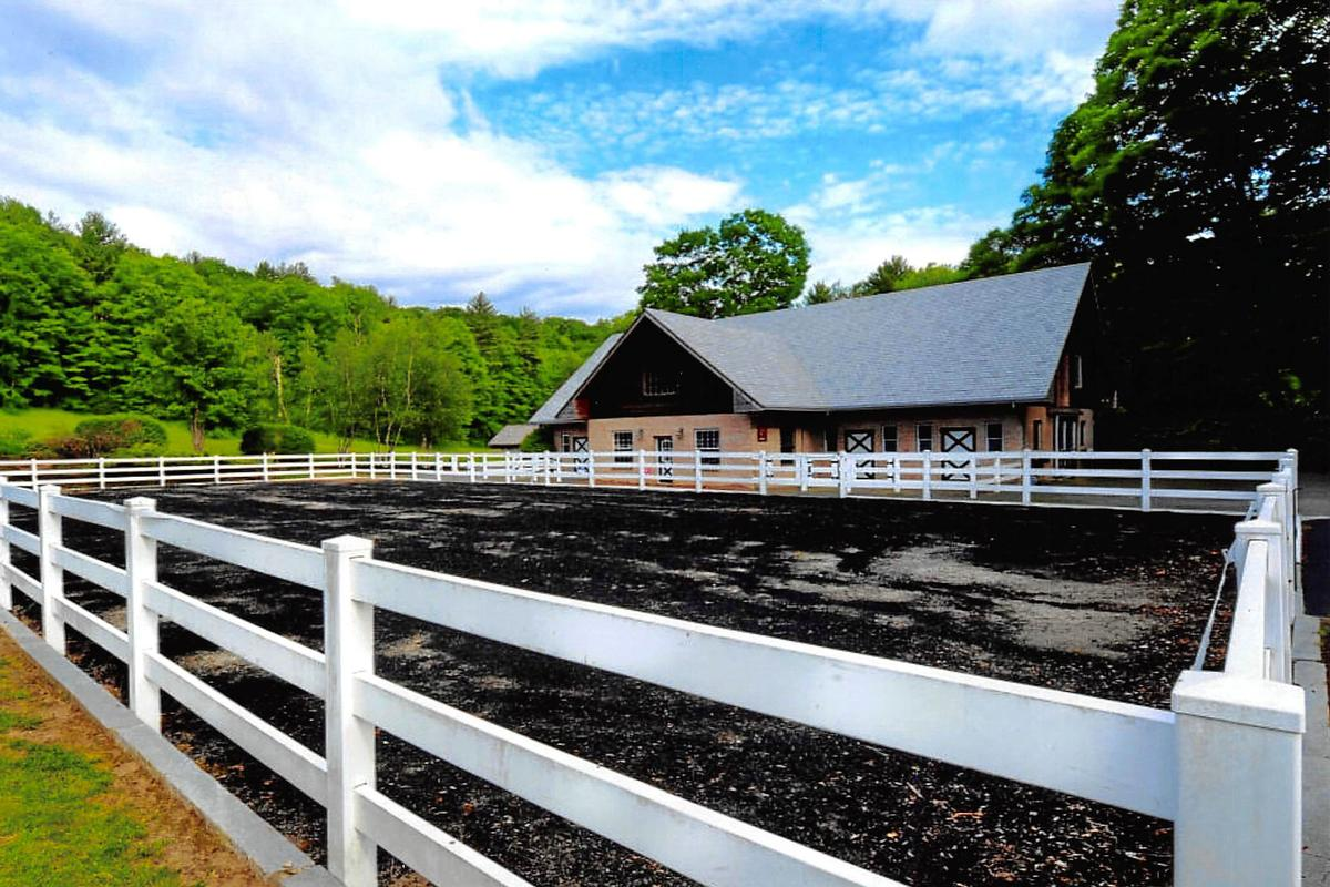 Mansions Equestrian estate on 11 acres