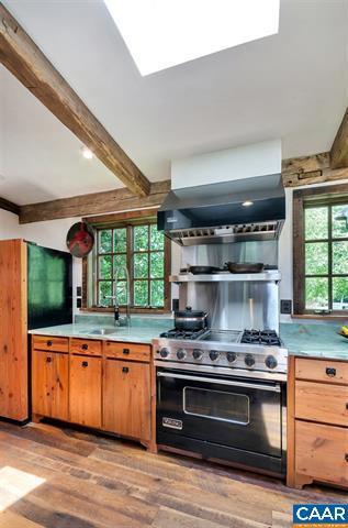 Luxury homes Extraordinary Acreage