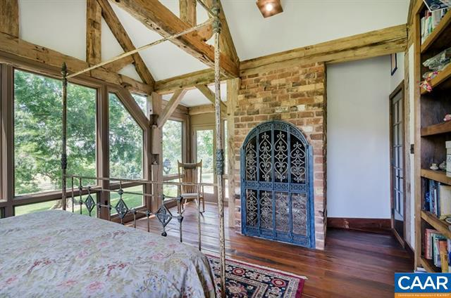 Mansions in Extraordinary Acreage