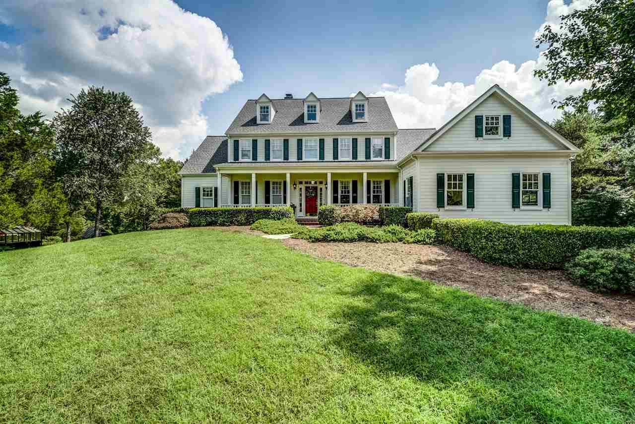 Luxury homes Creeks Edge