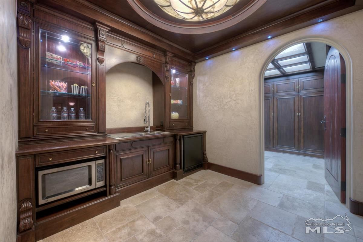 Luxury homes Private Oasis in the heart of Reno
