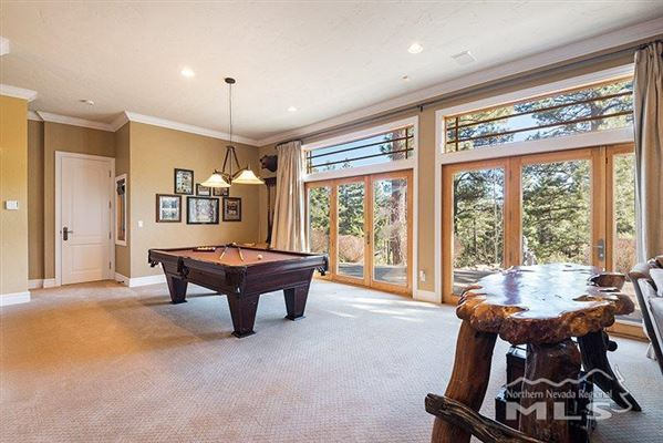 Luxury real estate spectacular property in Galena Forest