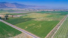 Luxury homes in great opportunity on nearly 120 acres