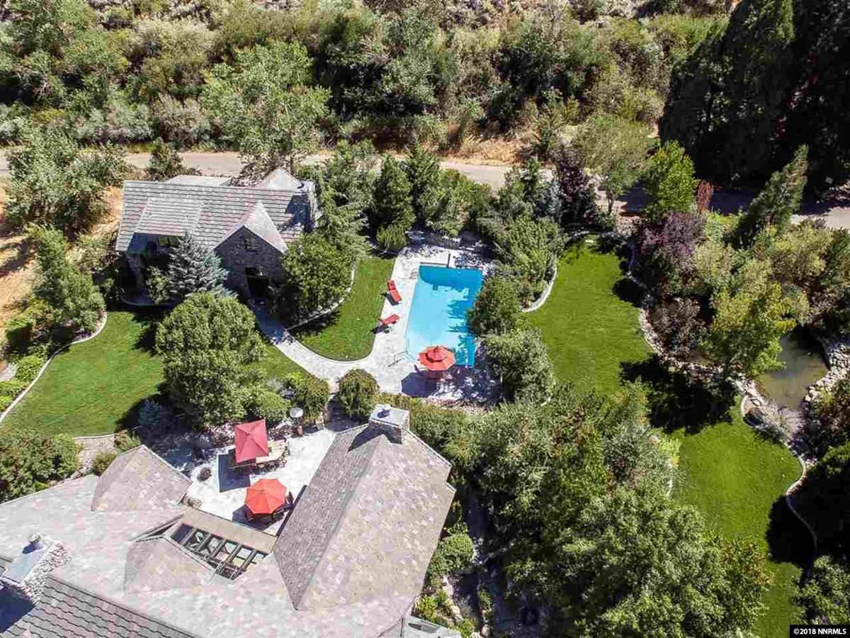 Magnificent Estate with a Fabulous Floor Plan luxury properties