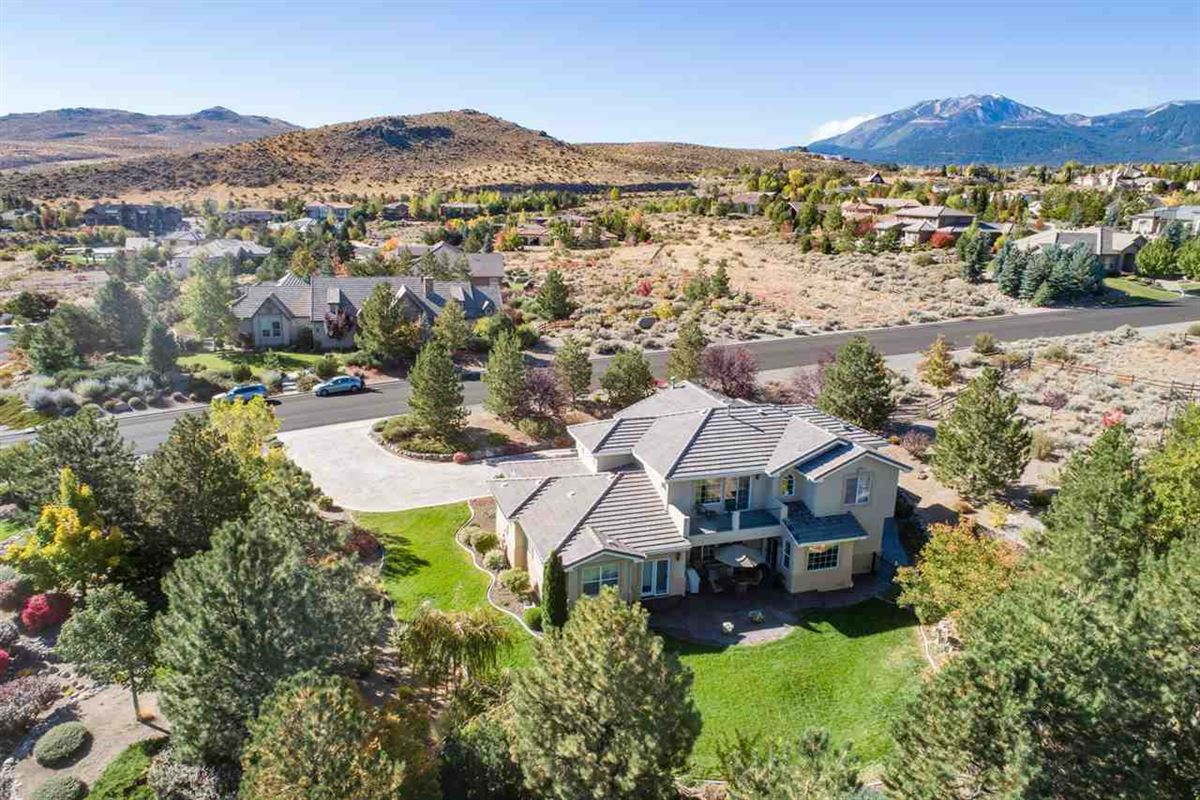 this gorgeous home is in the heart of Saddlehorn luxury real estate