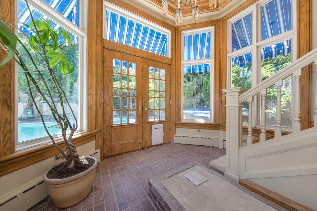Elegant Ridge Street Estate luxury real estate