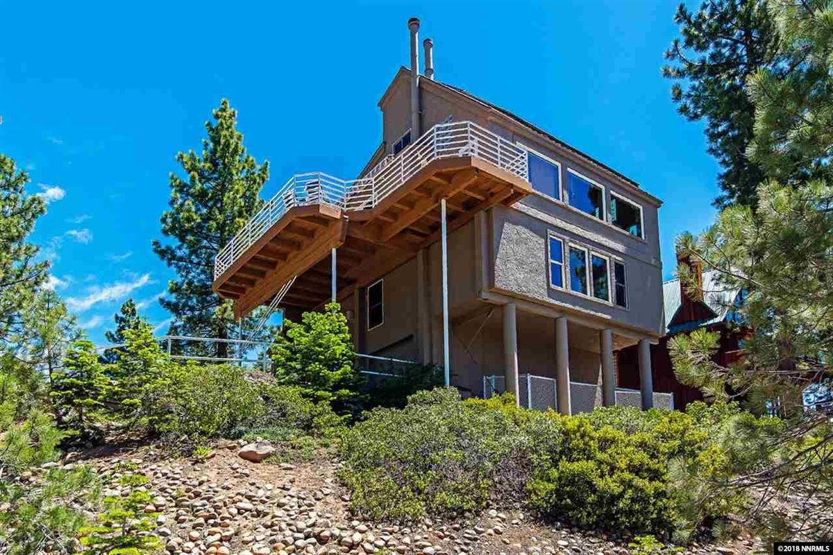 fantastic panoramic views of lake and mountains luxury properties