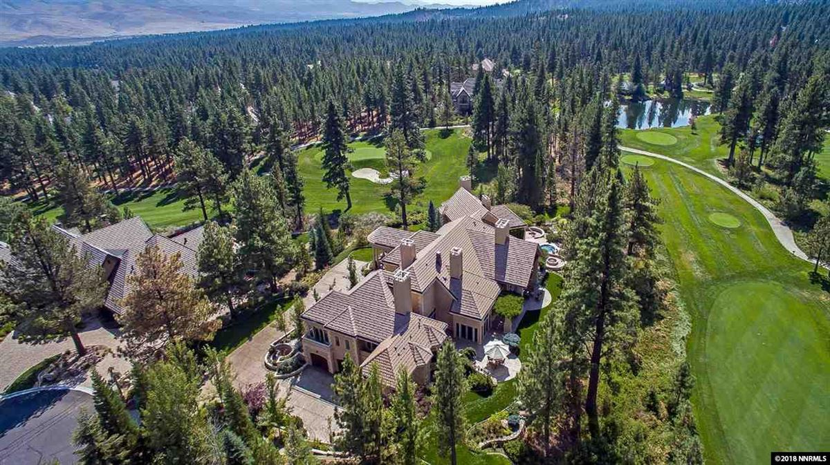 Mansions luxury estate on desirable lot in Montreux
