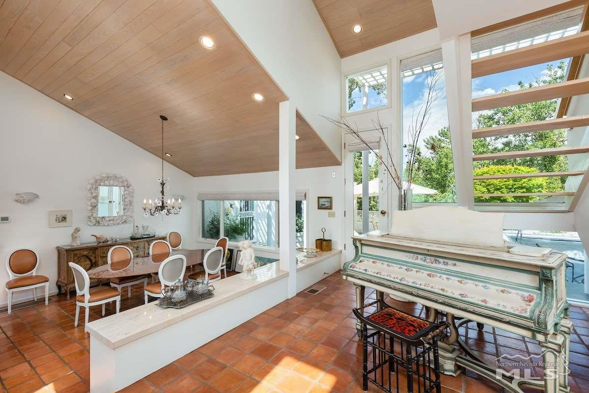 Luxury real estate Spectacular estate includes a BEAUTIFUL backyard