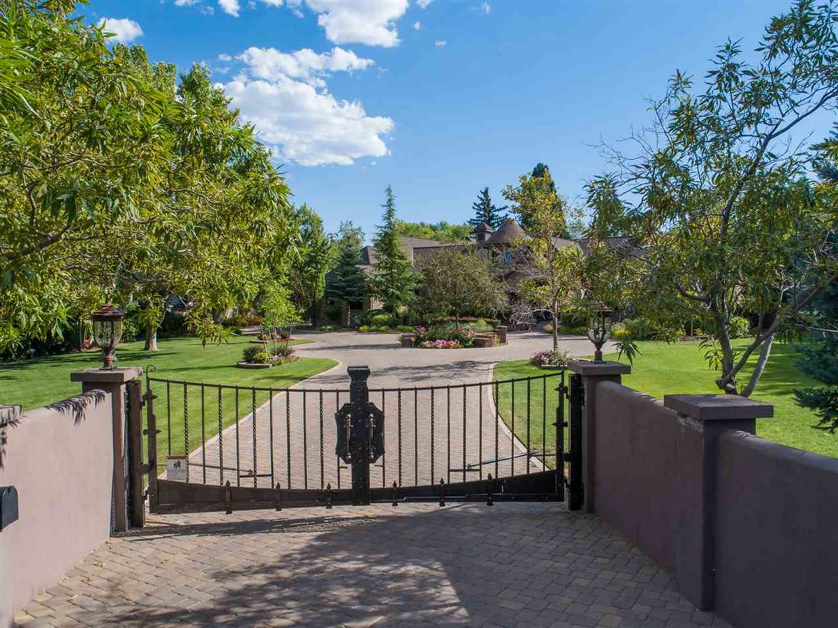Luxury homes gated estate on almost 2 acres