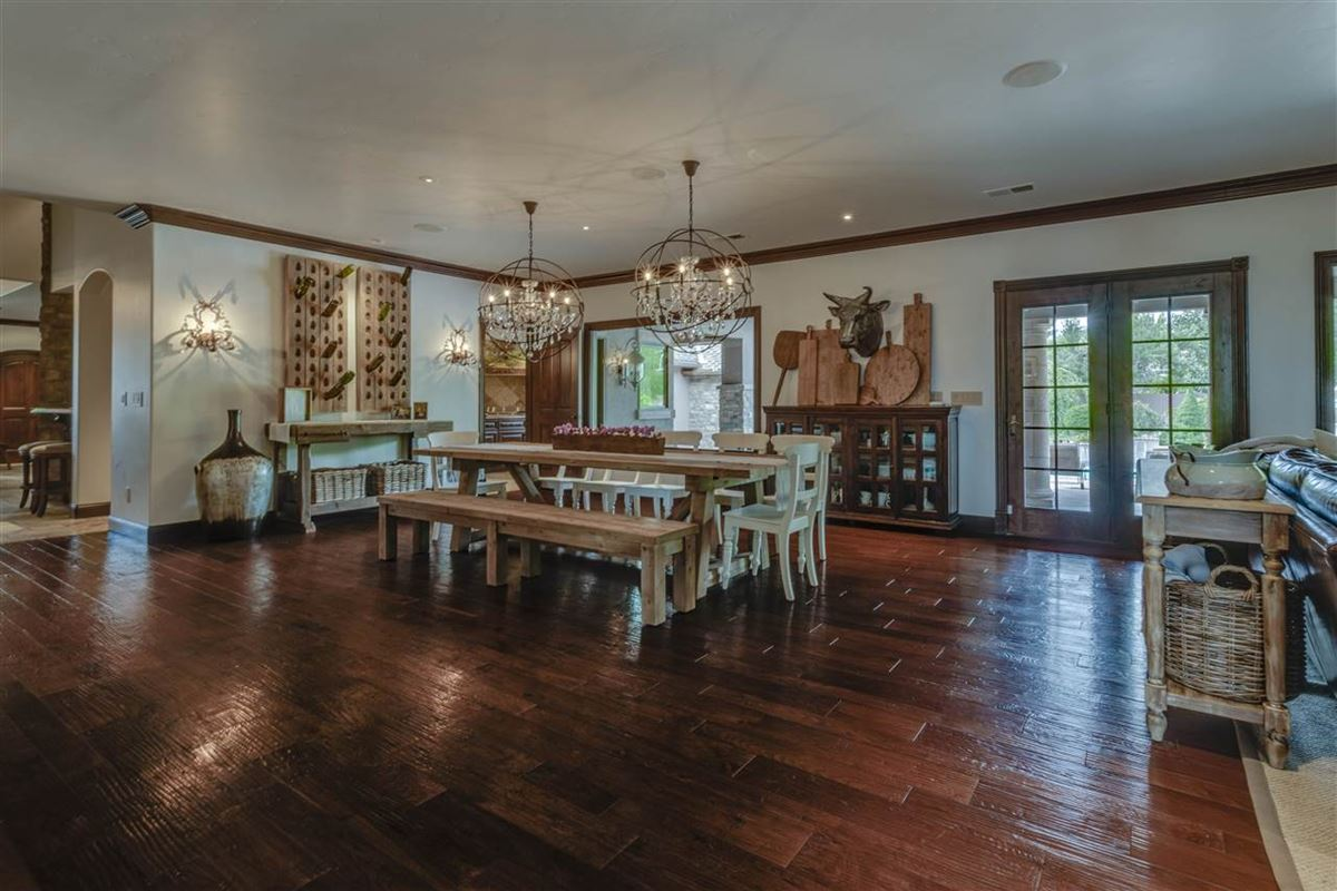 Mansions in gated estate on almost 2 acres