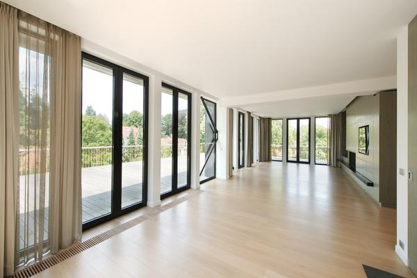 Exceptionnal penthouse overlooking Brussels South luxury homes