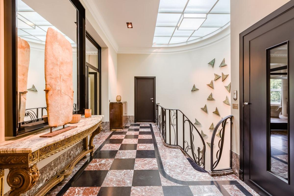 Luxury homes in Magnificient mansion from the 1930s