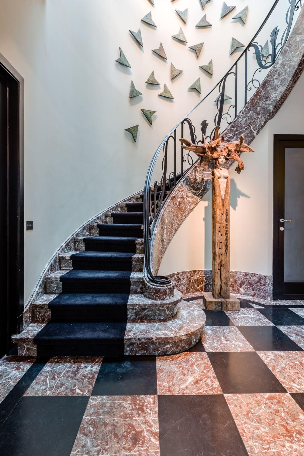 Magnificient mansion from the 1930s luxury homes