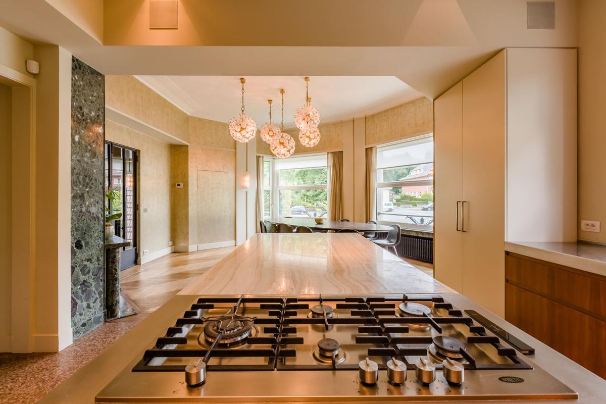 Magnificient mansion from the 1930s luxury real estate