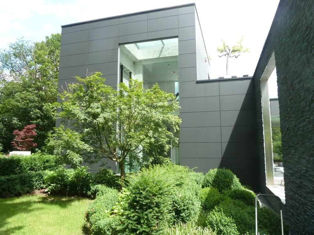 Mansions Impressive Contemporary Villa