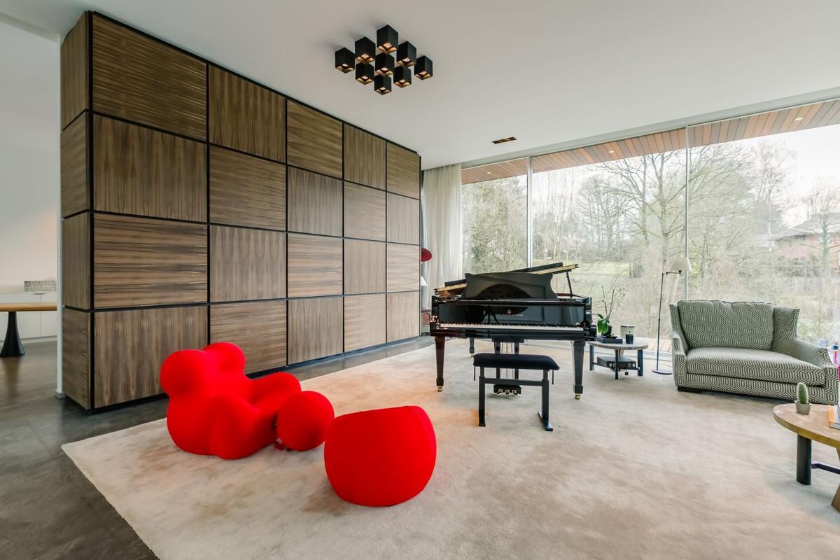 Impressive Contemporary Villa mansions