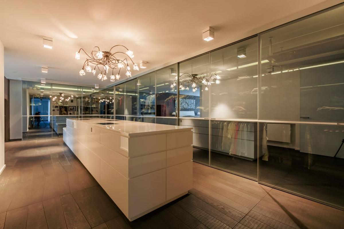Luxury real estate Impressive Contemporary Villa
