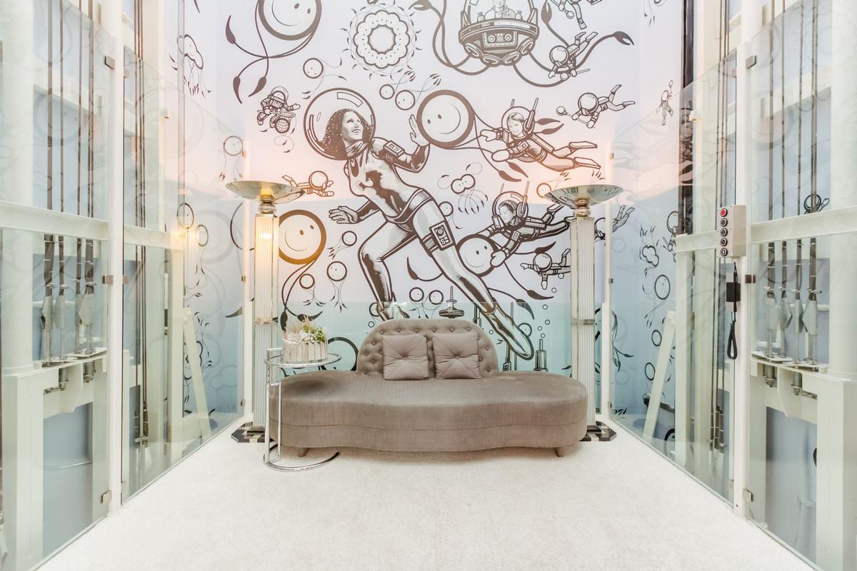 Impressive Contemporary Villa luxury homes