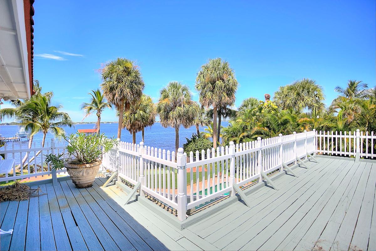 Coastal Living Beauty mansions