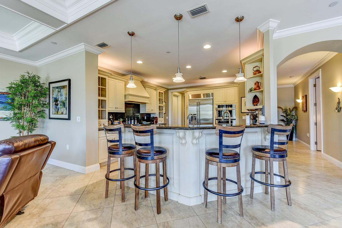 Luxury homes in Outrigger Harbour Luxury