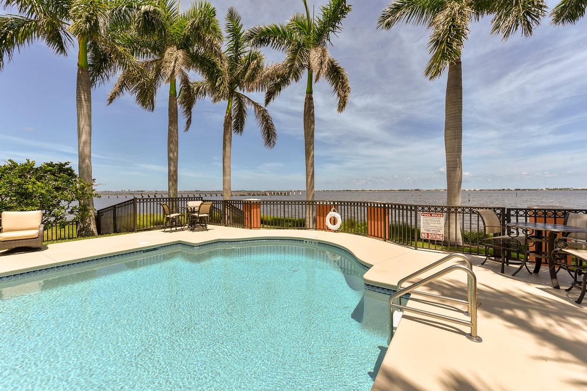 Luxury homes Outrigger Harbour Luxury
