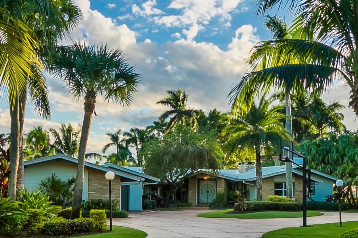 Mid-Century Coastal Style luxury properties