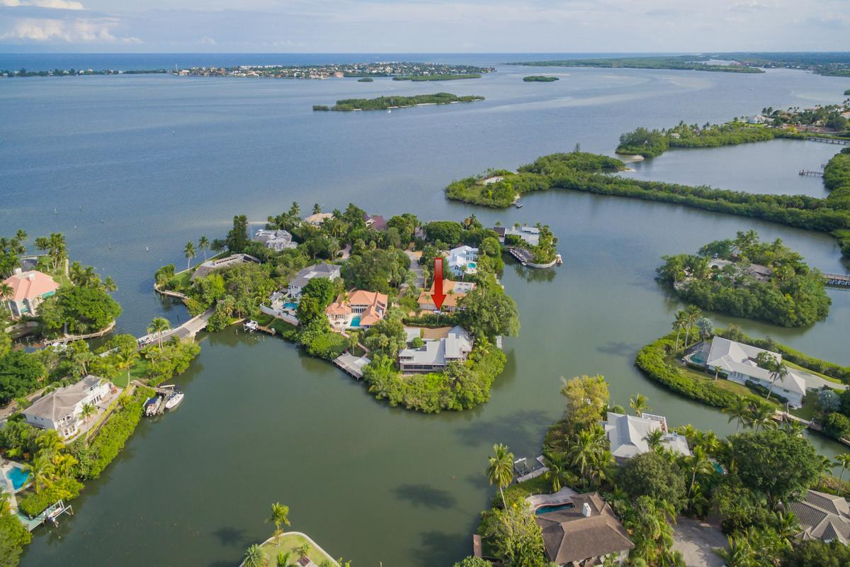 Alluring Archipelago luxury real estate