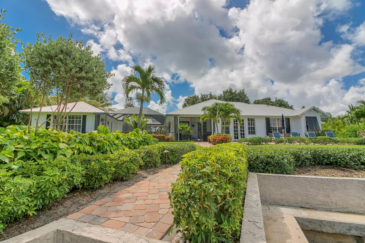 Mansions in Key West-style Waterfront Enclave
