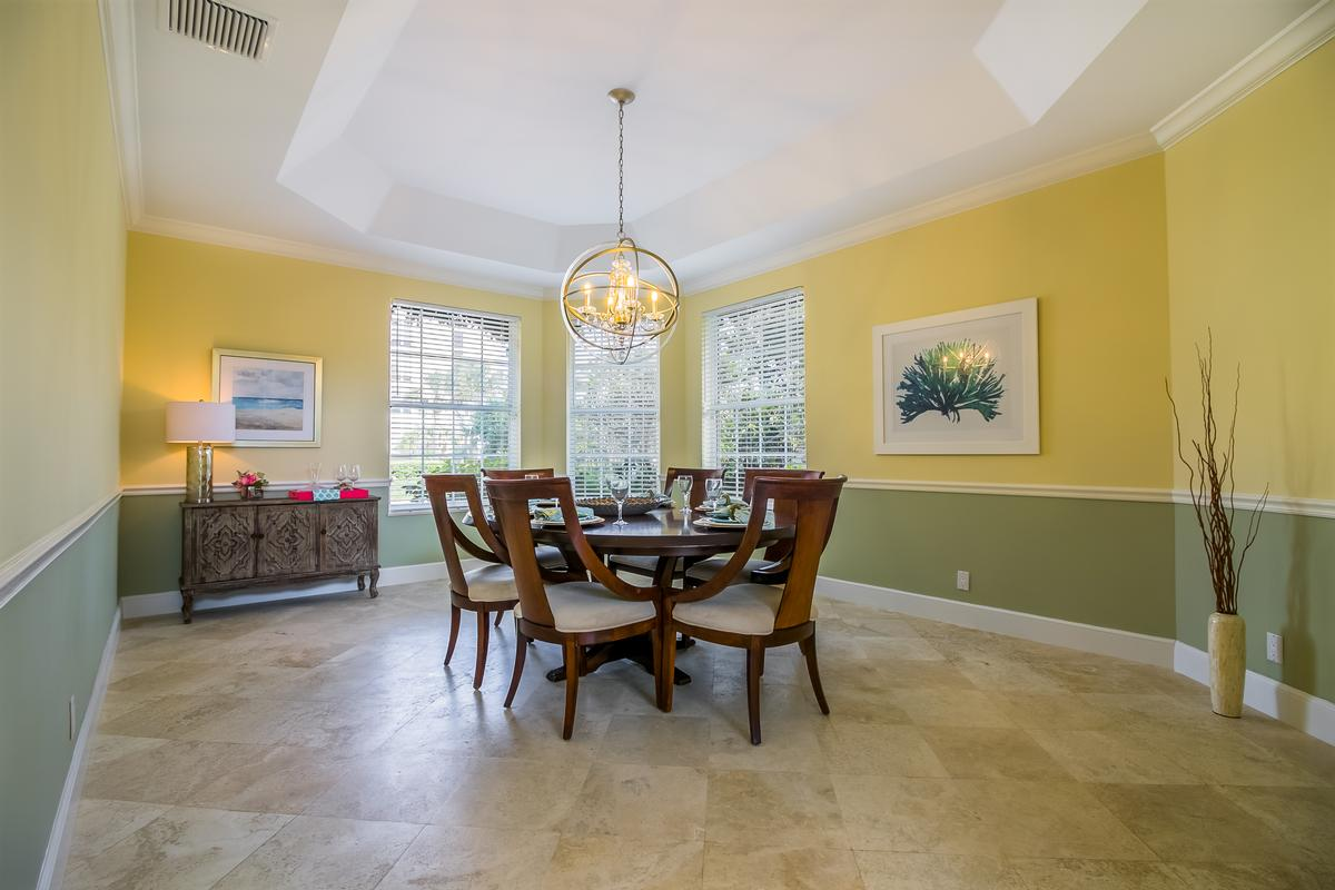 Luxury homes in Exclusive Sailfish Point Retreat