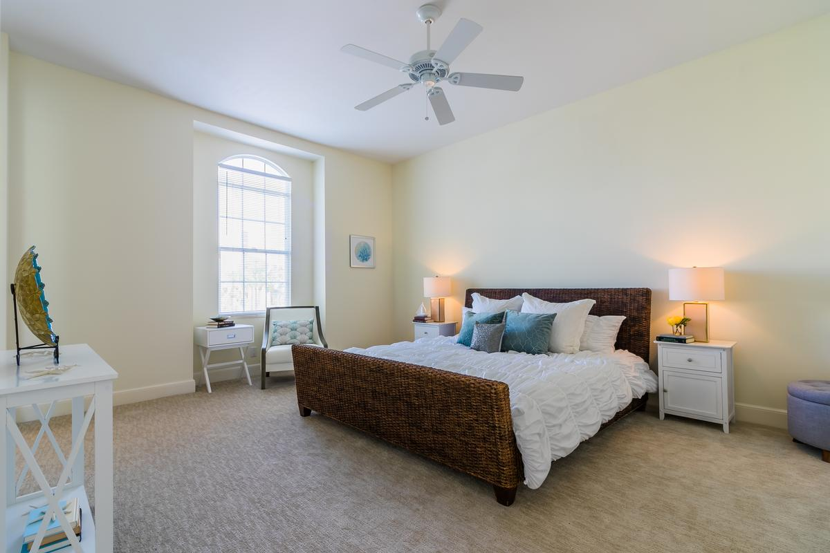 Luxury real estate Exclusive Sailfish Point Retreat