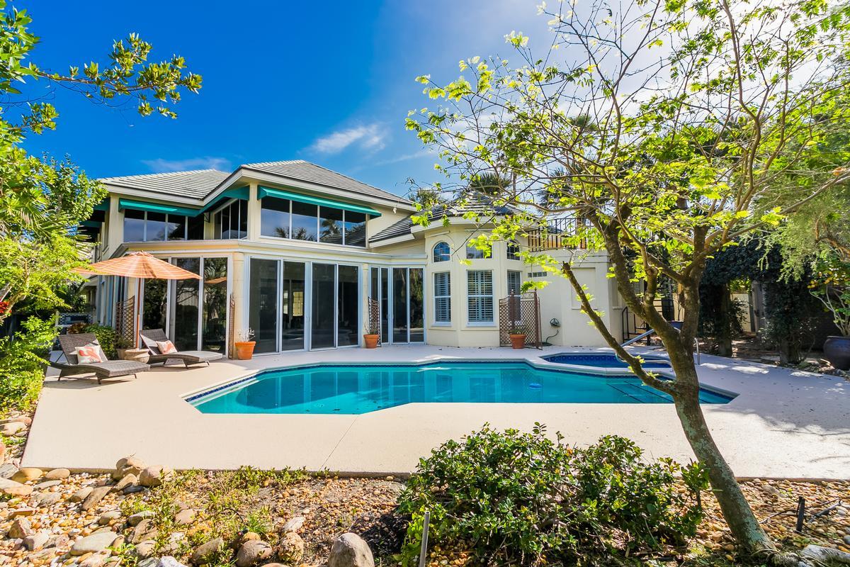Exclusive Sailfish Point Retreat luxury homes