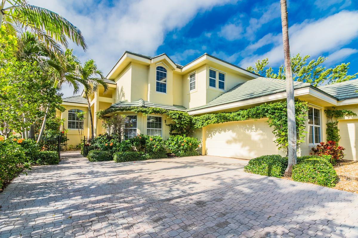 Exclusive Sailfish Point Retreat luxury real estate