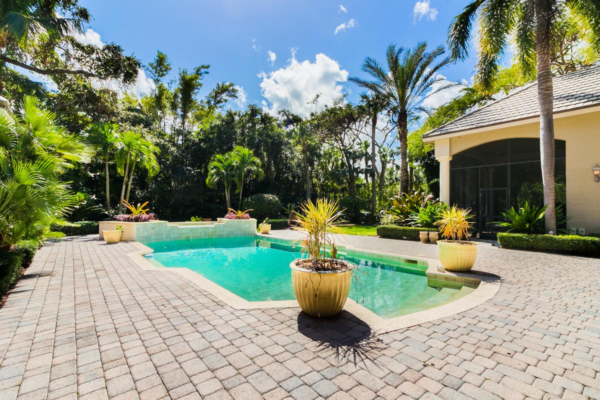 Luxury real estate The Plantation at Sewalls Point