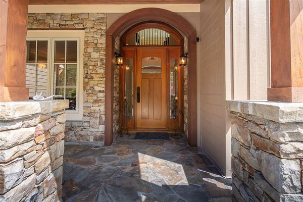 Forest Spring mountain retreat  luxury real estate
