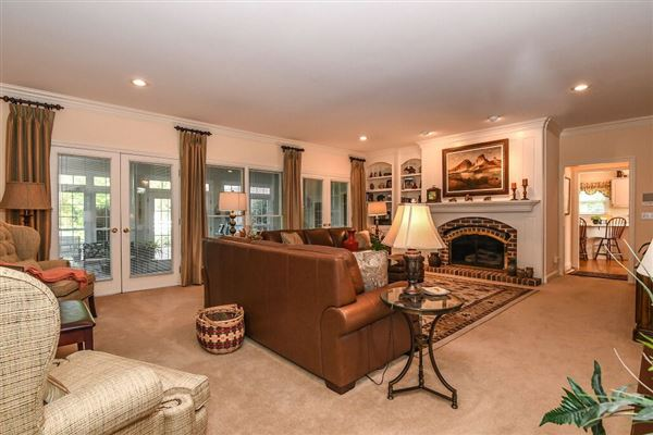 Mansions meticulously maintained country estate