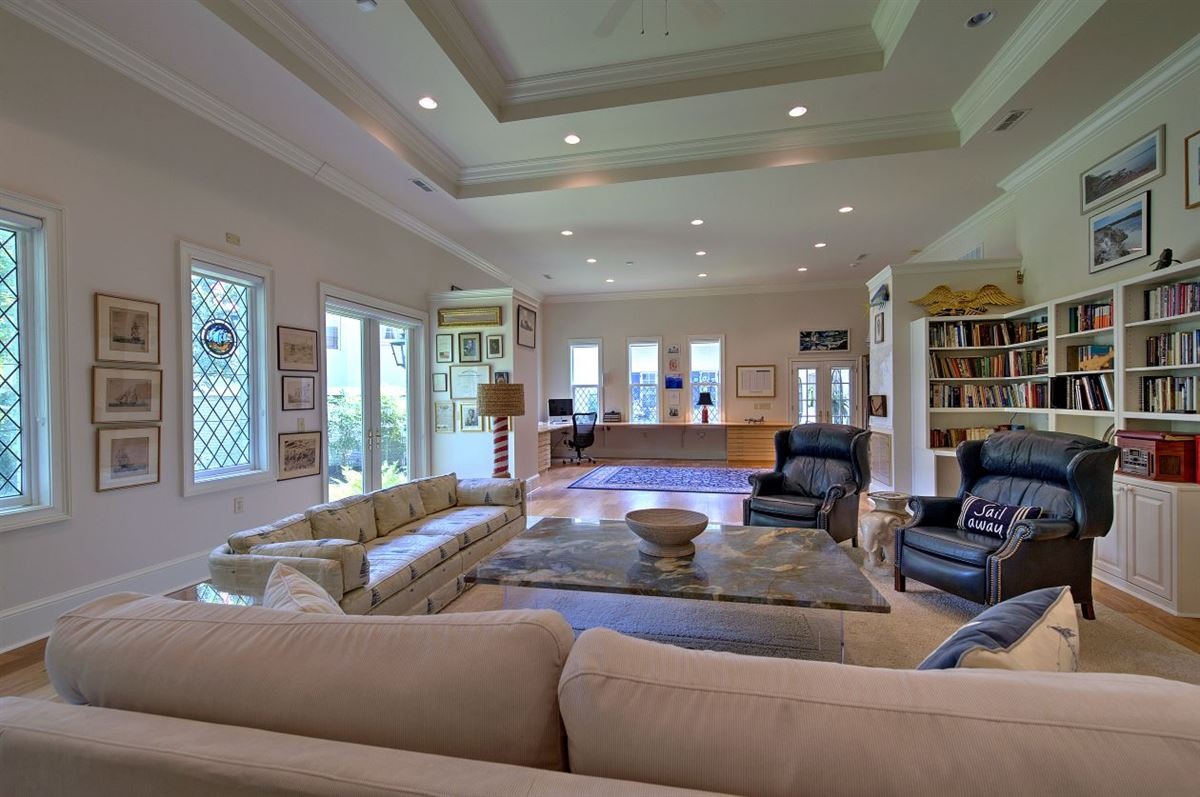 Luxury homes in Spectacular estate nestled on 8.51 acres