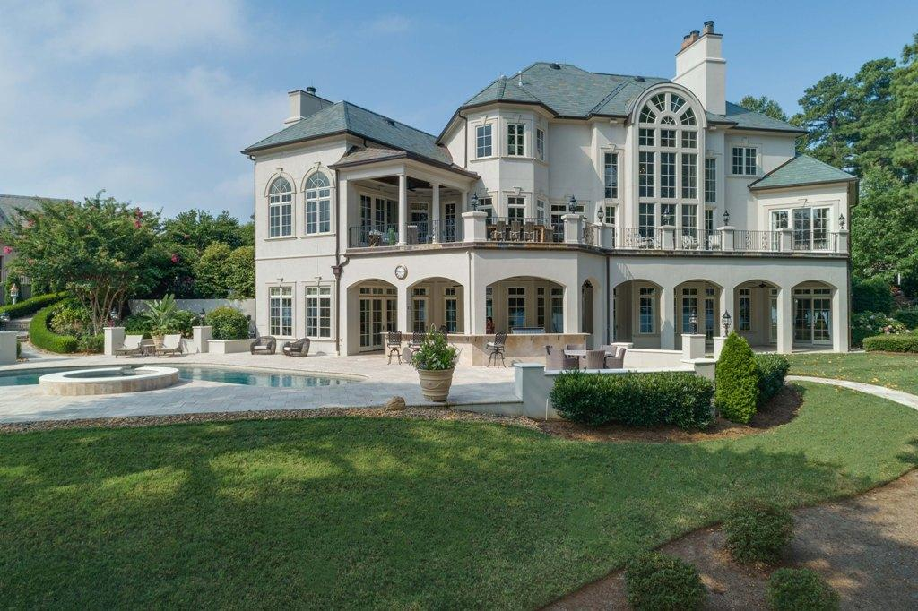 Luxury homes Exquisite Lake Norman Waterfront