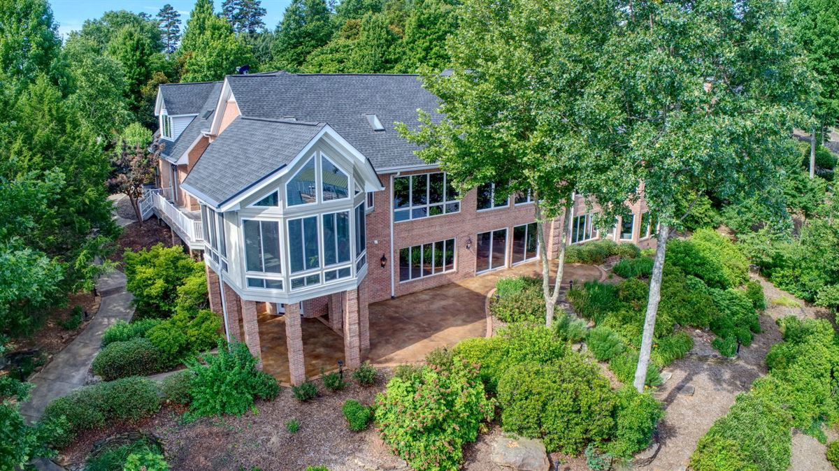 waterfront home in peaceful mountain view setting luxury properties