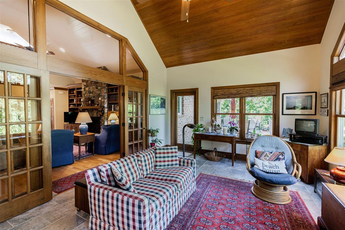 luxury Lake life luxury homes