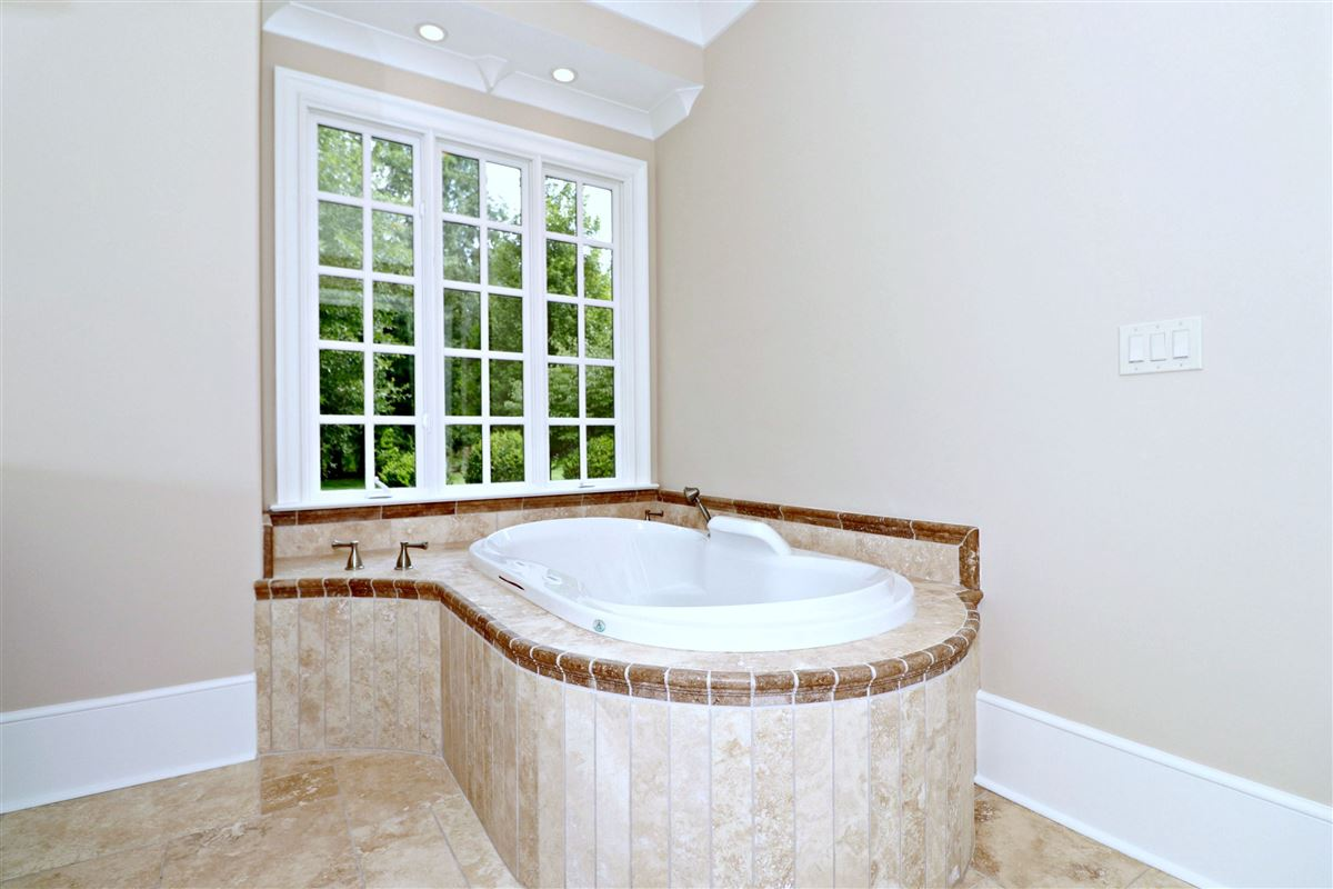 Luxury properties Tranquility will be yours in the historic Jacobs Ridge
